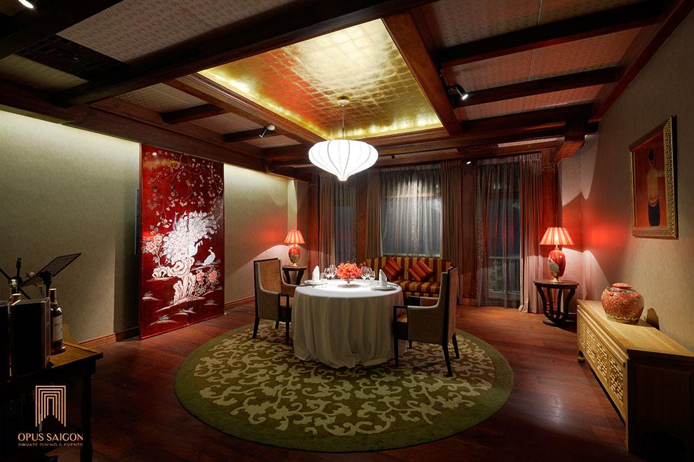 Nhà hàng phòng riêng dành cho hai khách